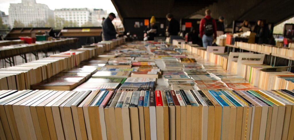 bancarella libri usati 2